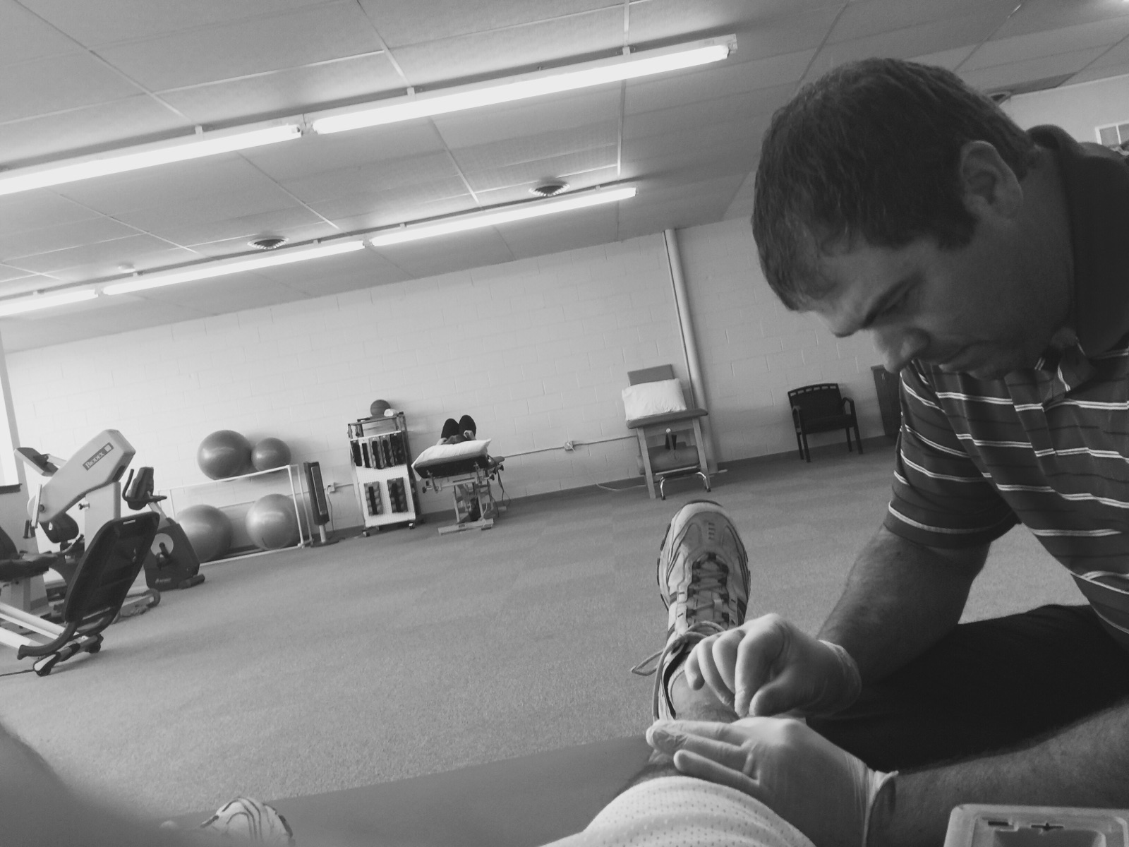 muscular tension and spasm, Ryan Flavory, Dry Needling, patellar tendinitis, Excel Therapy Oklahoma, chronic pain, Neck pain, Back Pain, Shoulder Pain, Tennis Elbow, Golfers Elbow, Headaches, Hip Pain, Gluteal Pain, Knee Pain, Achilles Tendonitis, Tendonosis, Plantar Fasciitis, Sciatica, Muscular Strains, Ligament Sprains, Chronic Pain, Athletic Performance